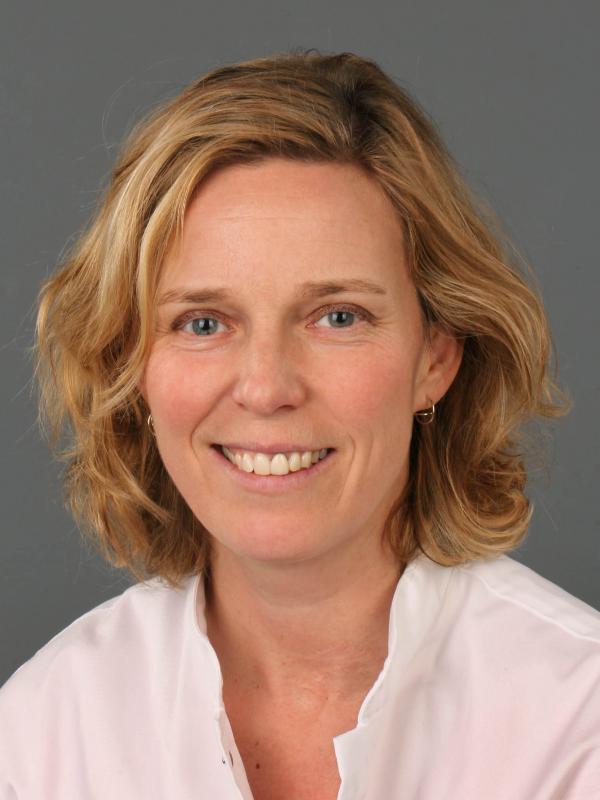 Dr. Marjolein Smidt