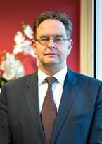 Member Executive Board Prof. N. de Vries